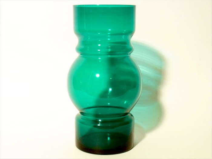 BEAUTIFUL-RIIHIMAKI-VASE-MARKED-SWEDEN-DESIGN-TAMARA-ALADIN-LASII-OY-GLASS-60s